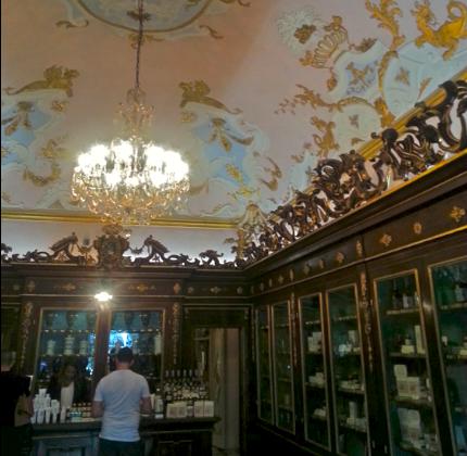 No senās uz jauno parfimēriju Florencē